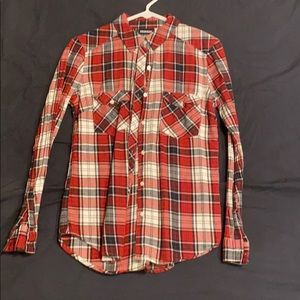 Fitted red black and white colored flannel